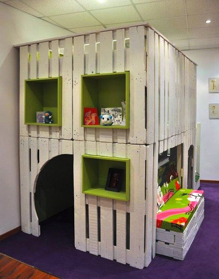 Pallet indoor Playhouse