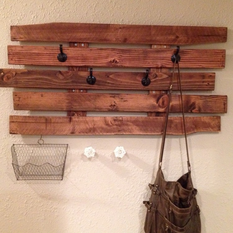 Recycled Pallet Wood Coat Rack Pallet Wood Projects