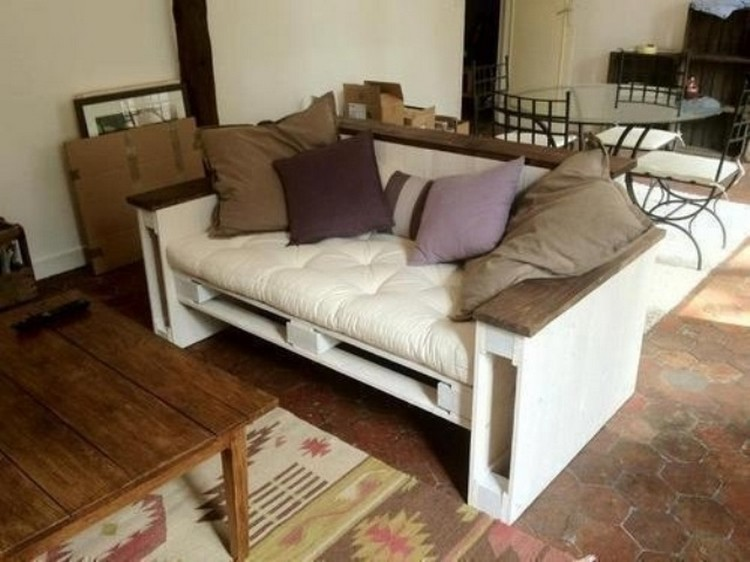 Small Pallet Couch