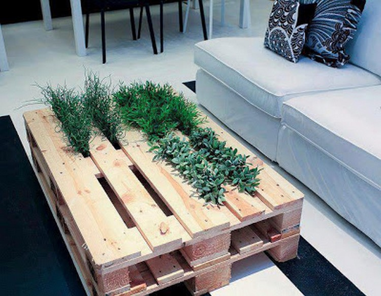 Upcycled Pallet Planter Table