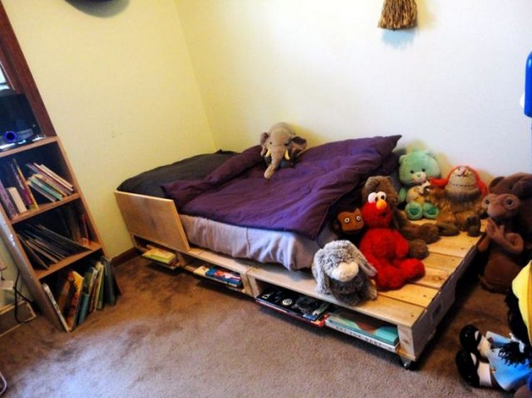 Wooden Pallet Bed for Toddlers
