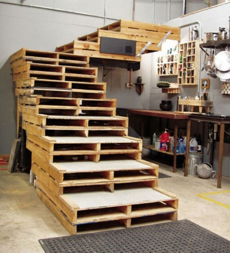 pallet wood stair designs pallet wood projects. Black Bedroom Furniture Sets. Home Design Ideas