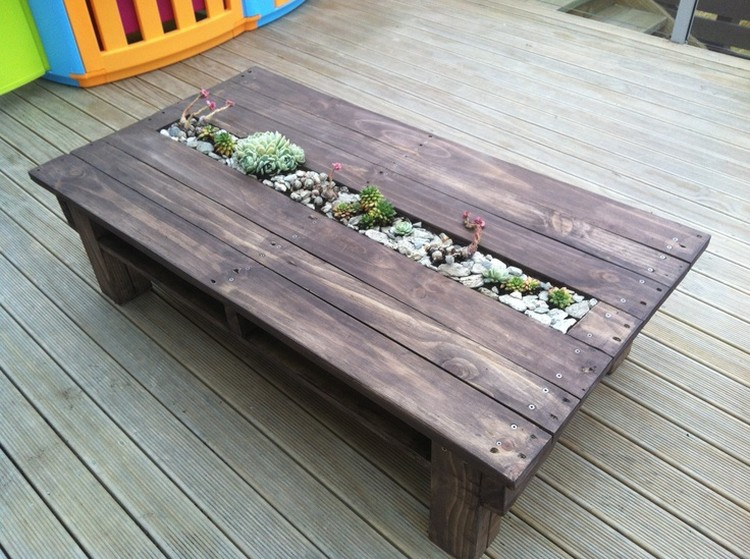 11 Amazing Recycled Pallet Tables With Planters Pallet Wood Projects