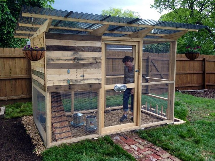Chicken Coop Made Out of Pallets