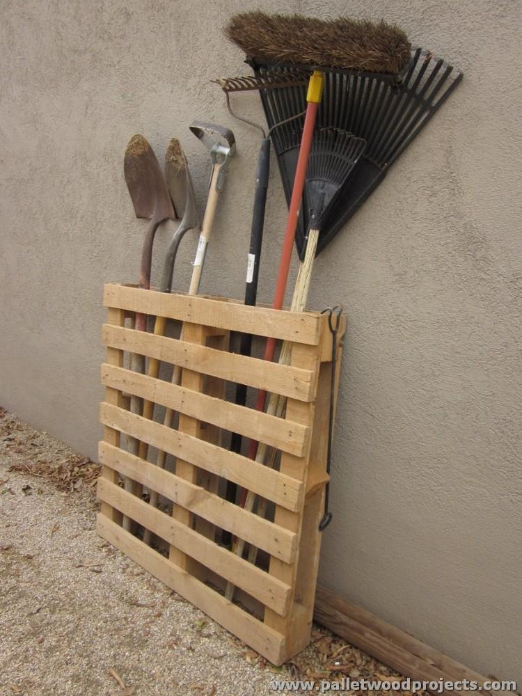 DIY Pallet Tool Rack