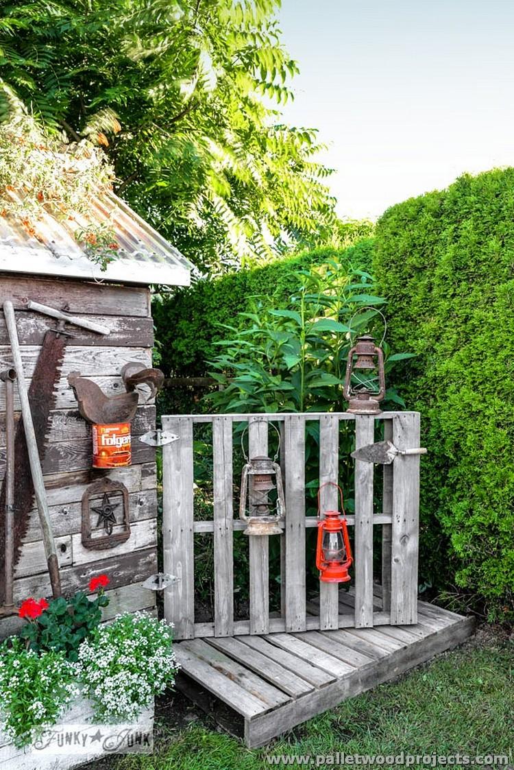 Garden Pallet Tool Rack