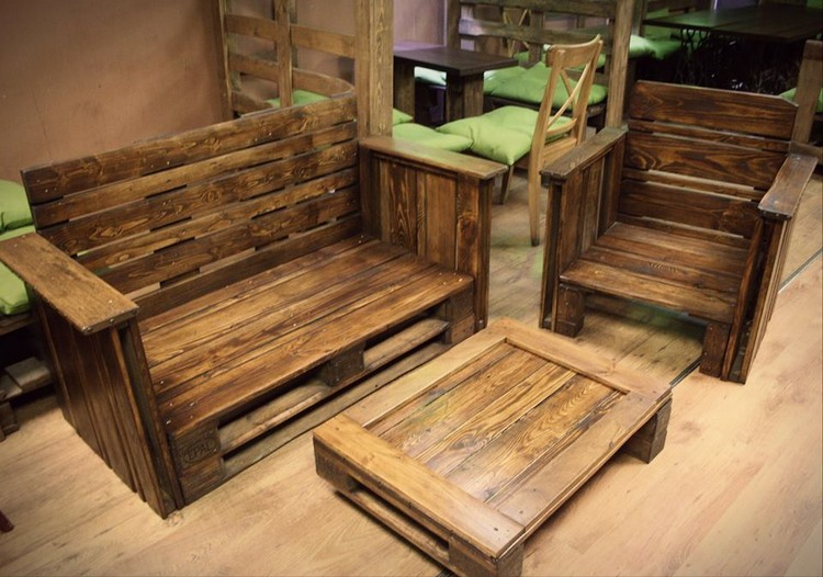 Pallet living room furniture plans pallet wood projects for Pallet furniture projects