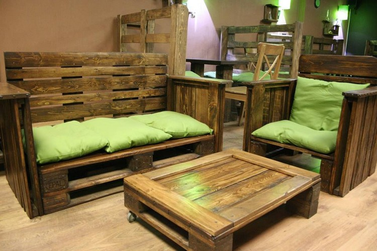Pallet living room furniture plans pallet wood projects for Wood living room furniture