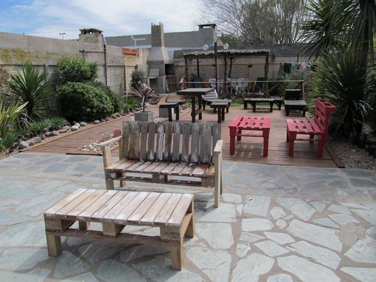 Pallet patio furniture ideas pallet wood projects for Patio furniture designs plans
