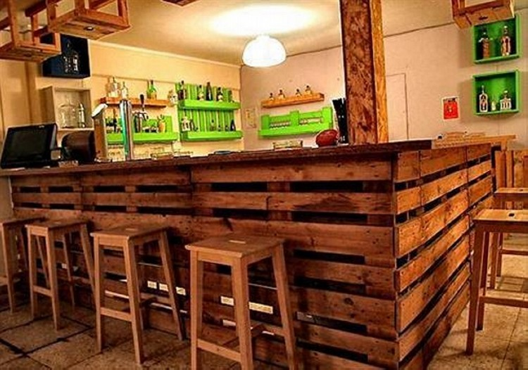 Recycled pallet wood bar ideas pallet wood projects for Diy wood bar