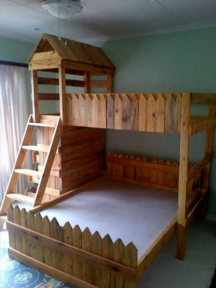Pallet bunk bed projects pallet wood projects for Pallet furniture projects