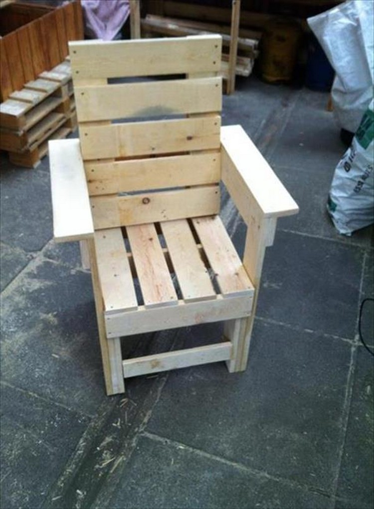Pallet Chair Designs