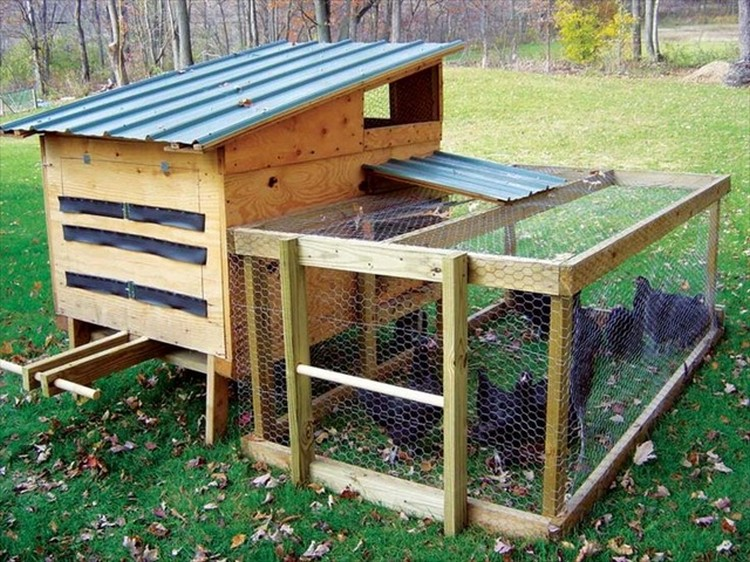 chicken coops made out of pallets pallet wood projects
