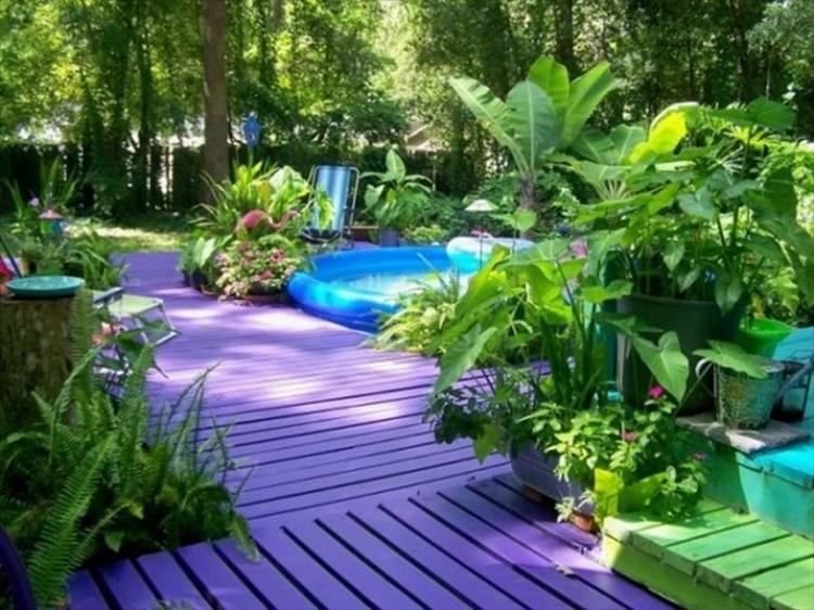 Pallet Deck in Garden