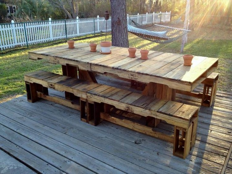Pallet Grand Dining Table with Benches
