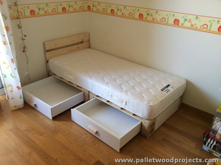 Pallet Kids Bed with Storage