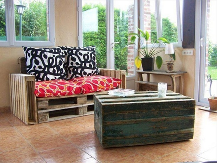 Pallet Living Room Couch with Coffee Table