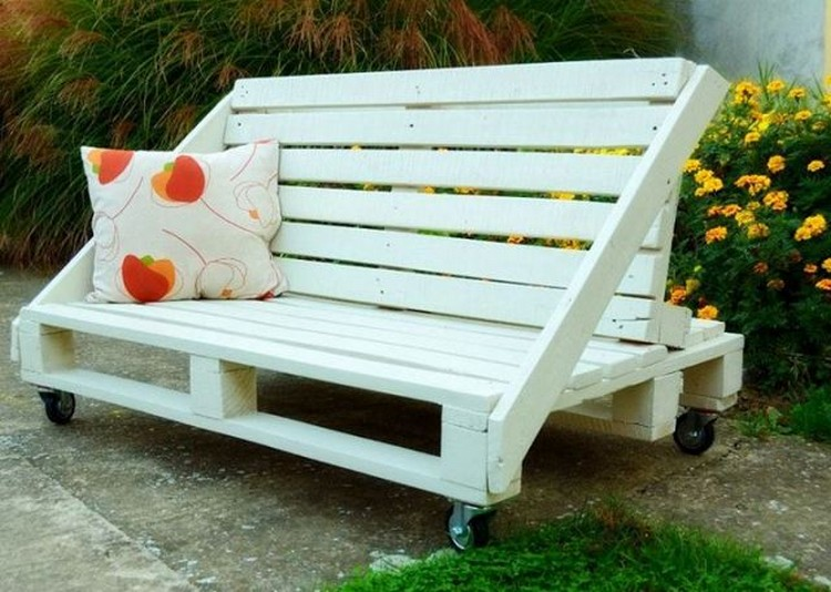 Pallet Made Bench