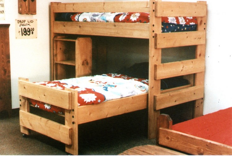 Pallet bunk bed projects pallet wood projects for Beds made with pallets