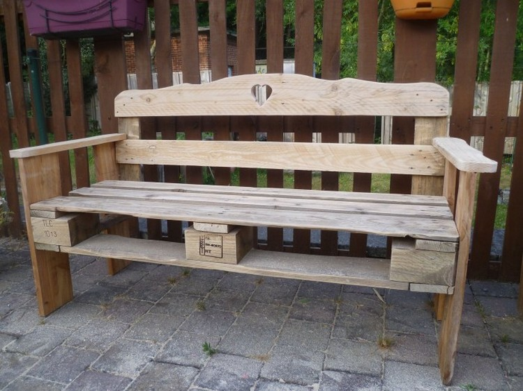 Wood pallet garden bench ideas pallet wood projects - Banc de jardin en bois de palette ...