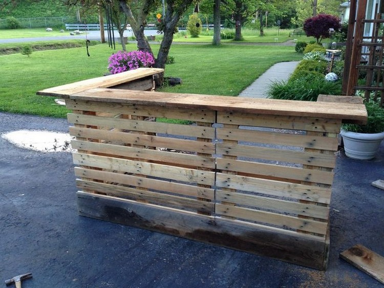 Pallet Made Outdoor Bar