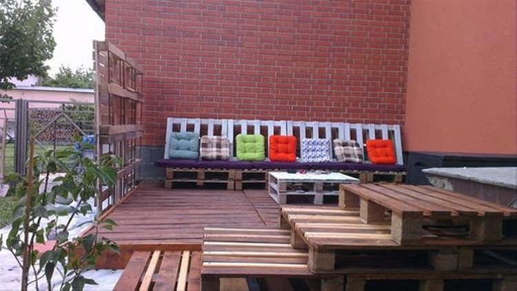 Pallet Outdoor Deck