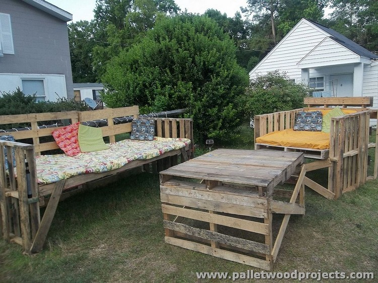 Pallet Outdoor Furniture Designs