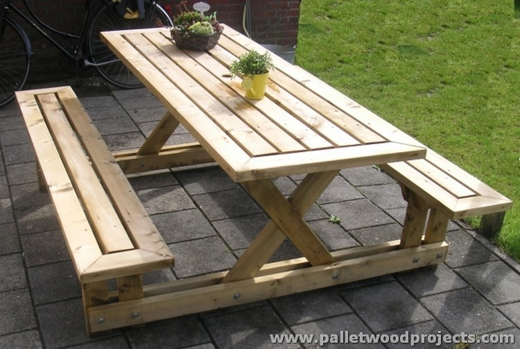 Pallet Picnic Table and Benches | Pallet Wood Projects