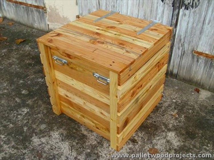 Pallet Storage Box and Toy Chest