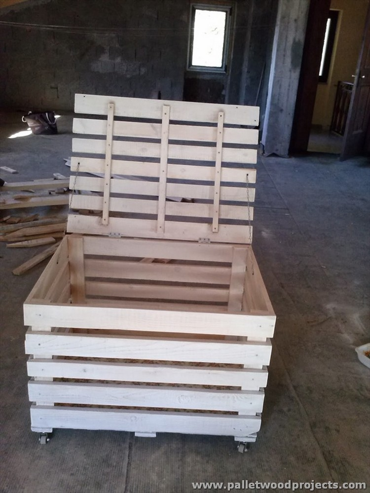 Recycled pallet storage box ideas pallet wood projects for Making things with wooden pallets