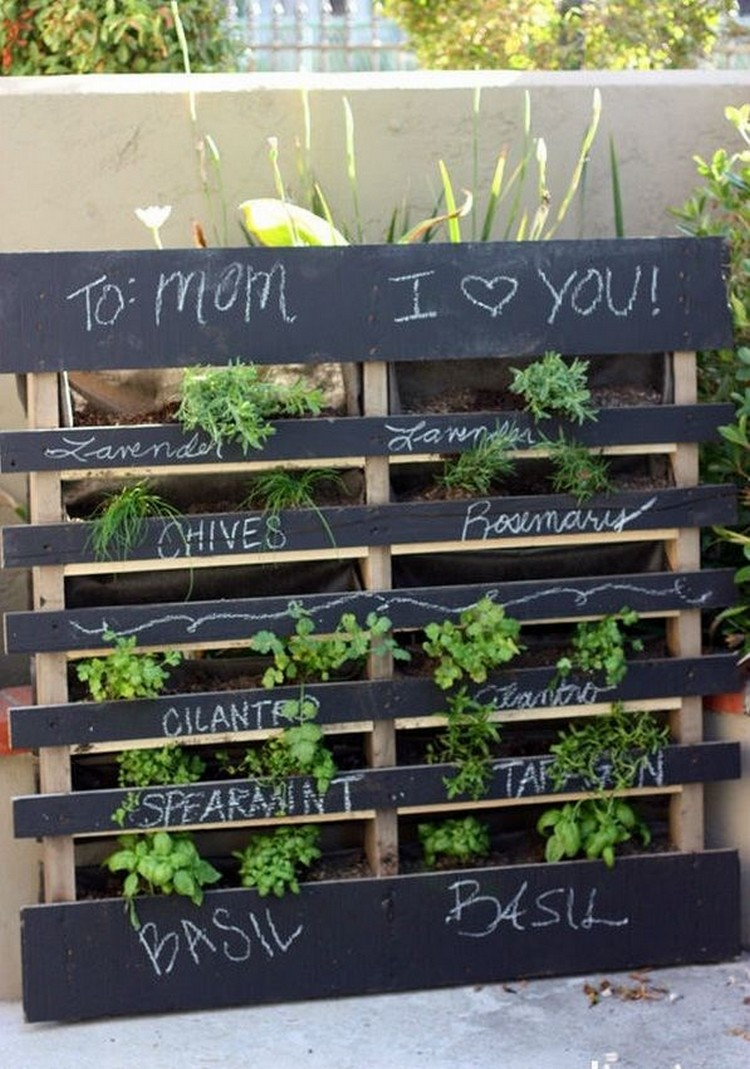 Pallet Verticle Garden Balcony Decor Ideas