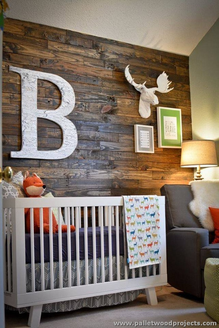 Accent wall made out of pallets pallet wood projects for Wooden art home decorations