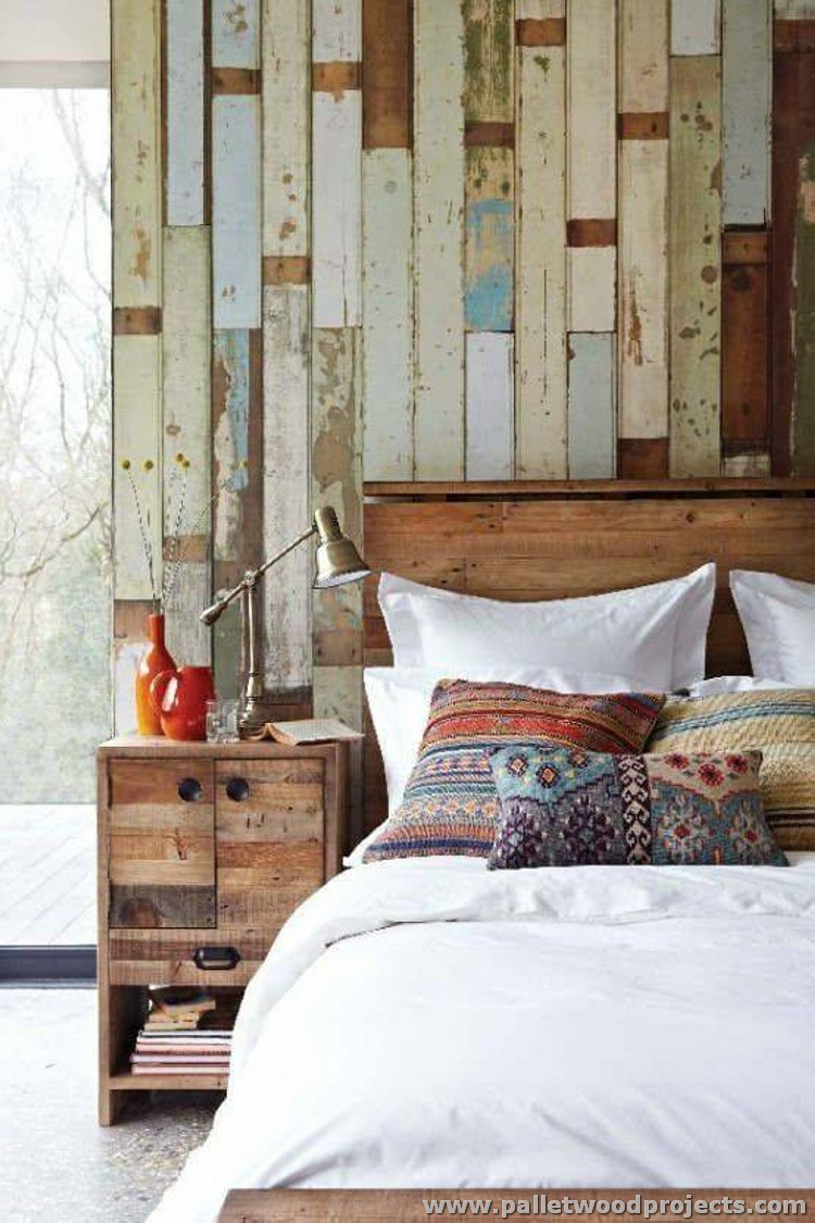 Accent wall made out of pallets pallet wood projects for Wood wallpaper bedroom
