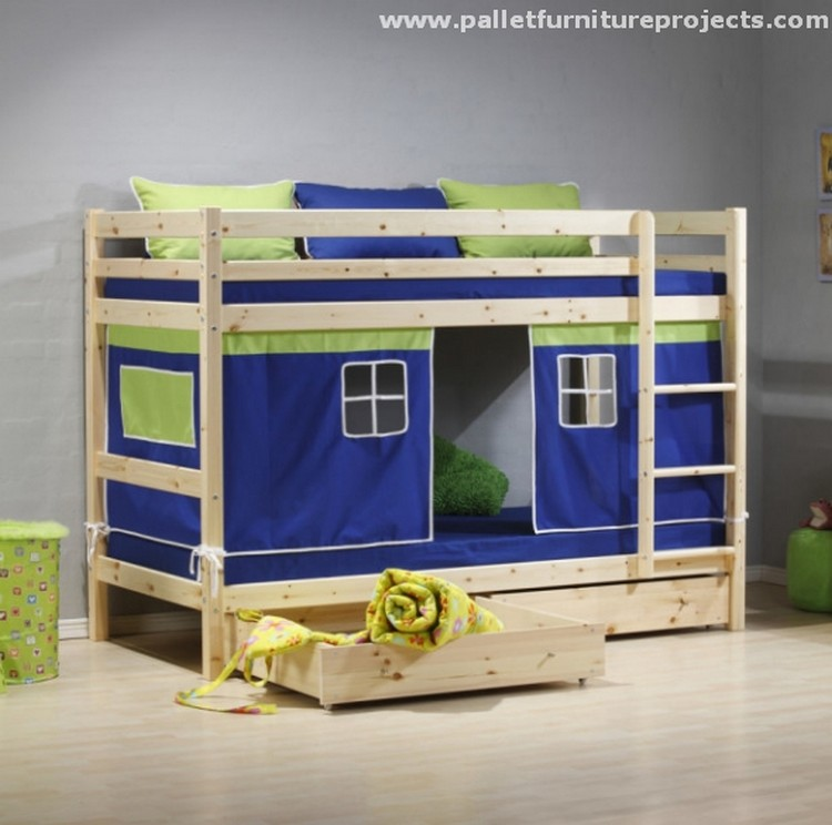 triple pallet bunk bed recycled pallet bunk bed