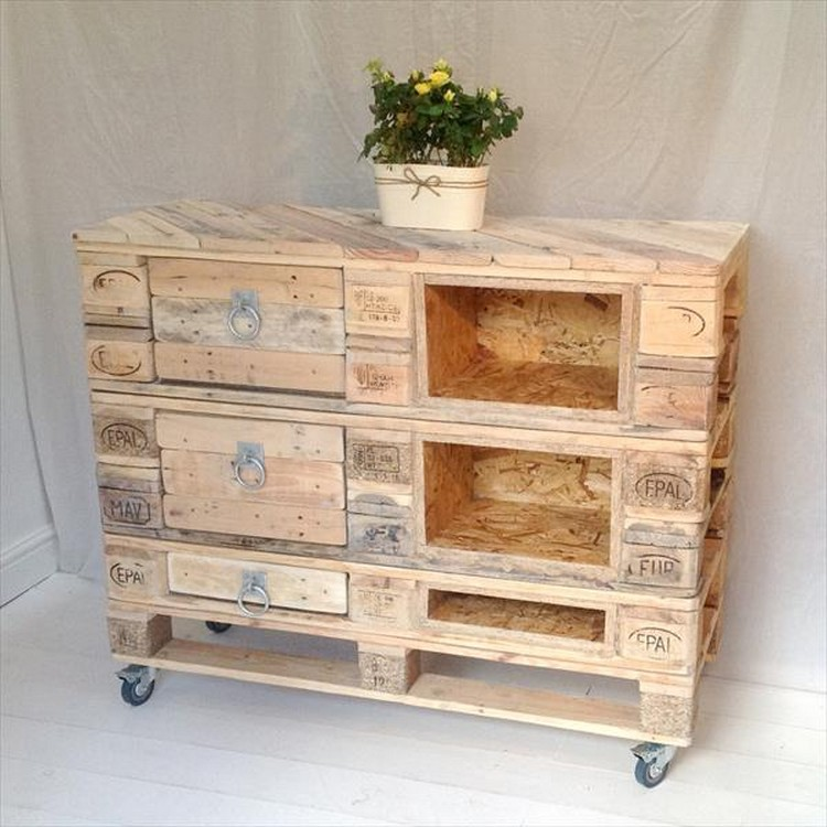 Wooden Pallet Dressers with Drawers | Pallet Wood Projects