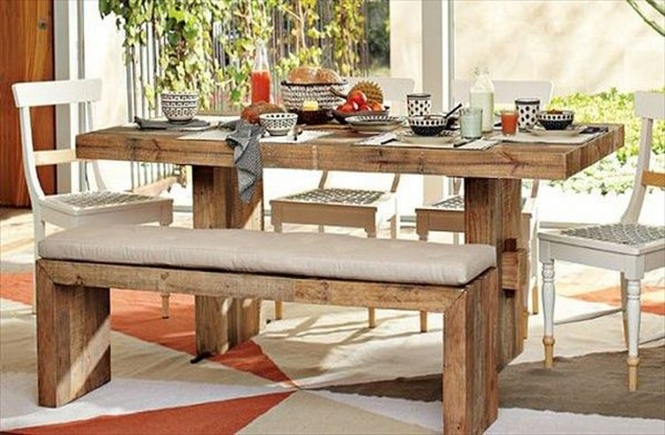 Recycled pallet dining tables pallet wood projects for Palette table de jardin