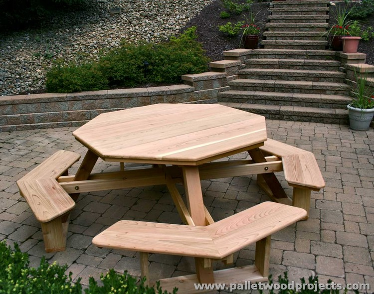 Round Pallet Picnic Table with Benches