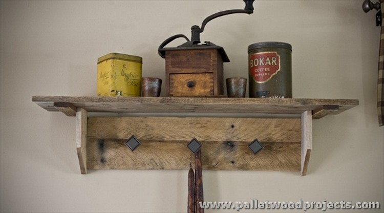 Shelves Made with Wood Pallets | Pallet Wood Projects