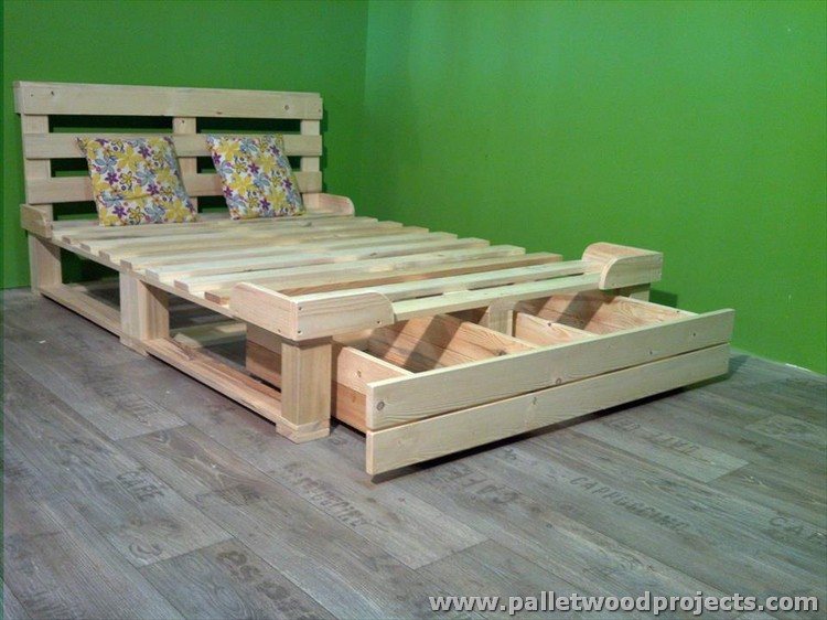 Modest Pallet Bed Frame Design Ideas