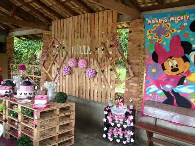 Wooden Pallet Patio Decor