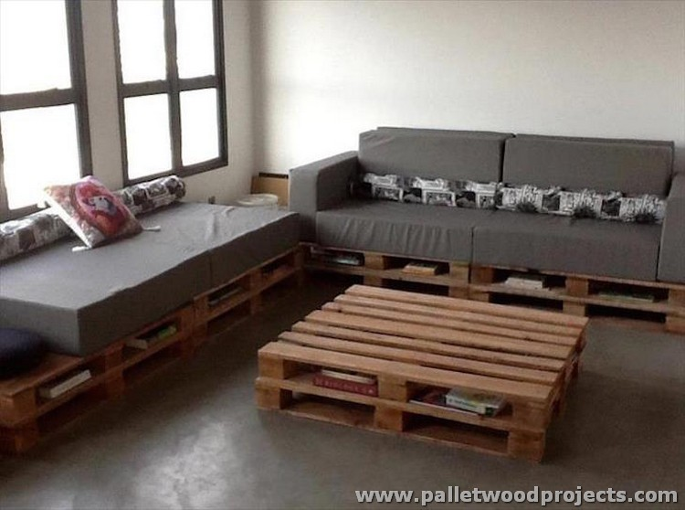 Cushioned Pallet Corner Couch with Table