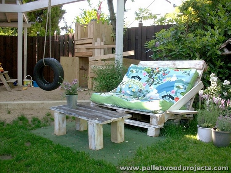 Pallet Backyard Furniture