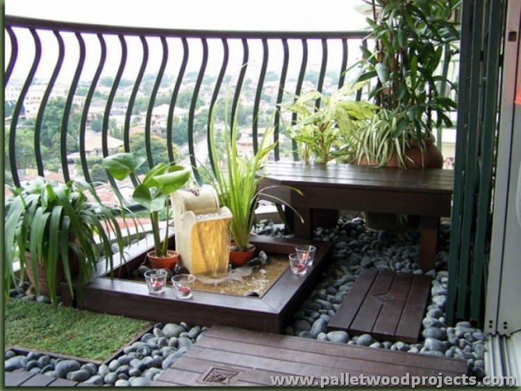 Pallet Balcony Decor