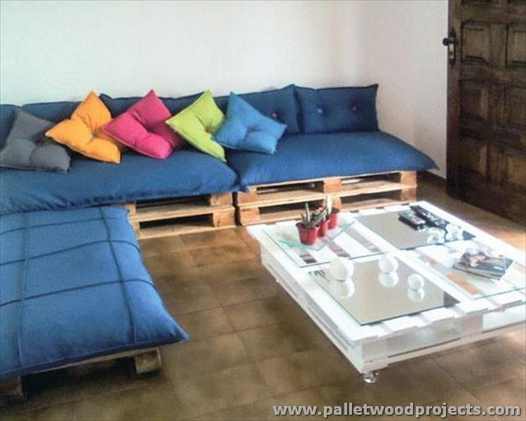 Pallet Corner Couch with Coffee Table