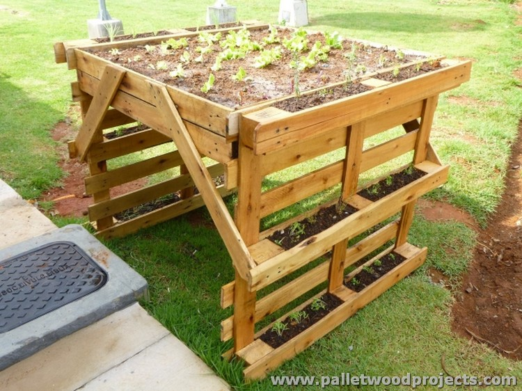 Planters made out of pallets pallet wood projects for How to make a planter box out of pallets