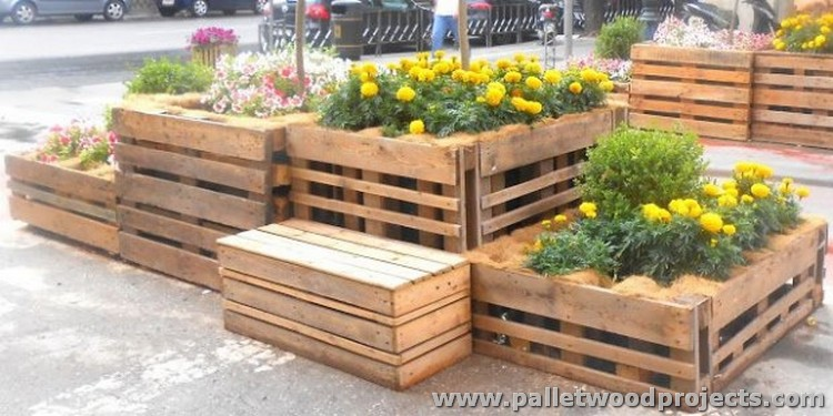 Pallet Ideas for Garden and Balcony Decor