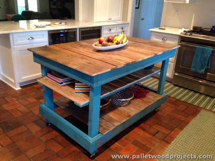 Pallet kitchen islands buffet tables pallet wood projects for How to make a pallet kitchen table