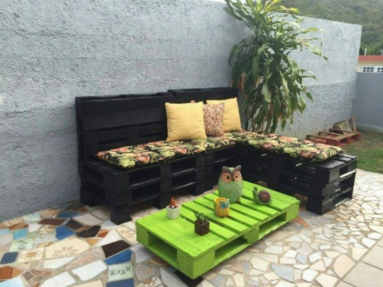 Pallet Made Garden Furniture. Pallet Furniture Ideas   Pallet Wood Projects
