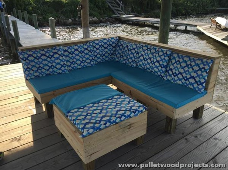 Pallet Patio Corner Couch with Table
