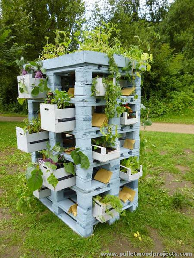 Pallet Planter Tower